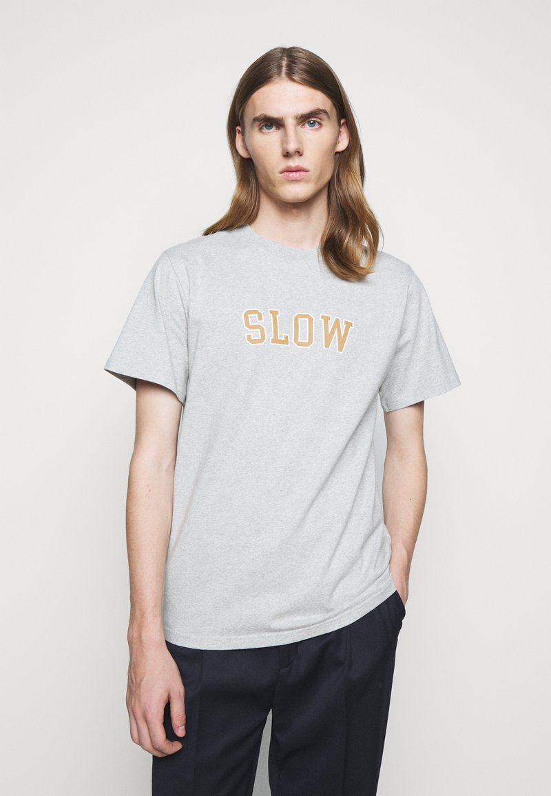 forét - EASE - Print T-shirt - light grey melange