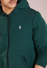 Polo Ralph Lauren - DOUBLE TECH - Huvtröja med dragkedja - college green - 4