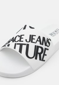 Versace Jeans Couture - Pantofle - white - 5