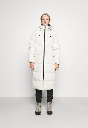 BIGWHITE WOMEN JACKET - Zimní kabát - white foam