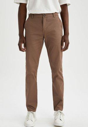 Chinot - brown