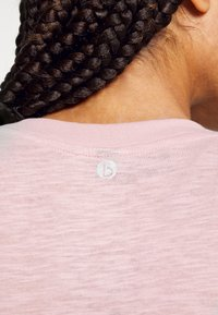 Cotton On Body - LIFESTYLE SLOUCHY MUSCLE - T-shirt basic - almond pink - 4