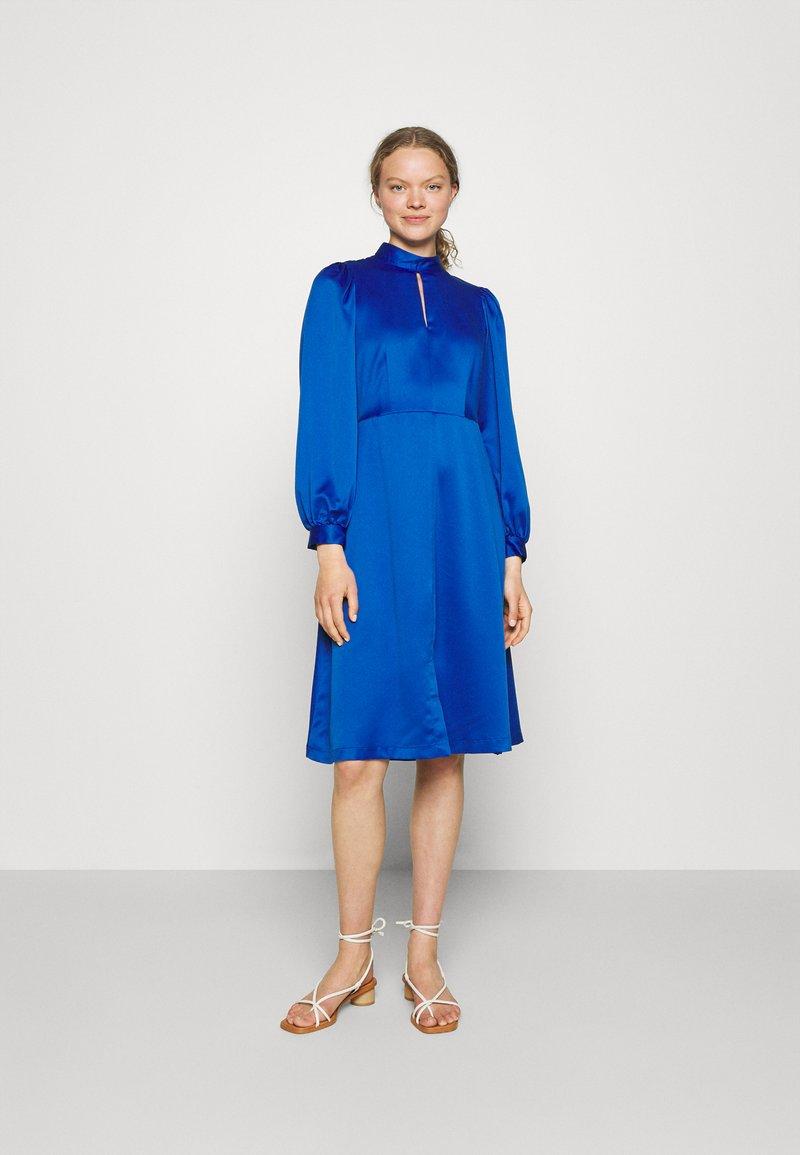 Closet - HIGH COLLAR A-LINE DRESS - Cocktail dress / Party dress - cobalt