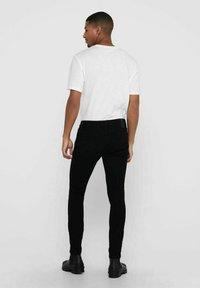 Only & Sons - ONSWARP LIFE KNEECUT - Jeans Skinny Fit - black denim - 2