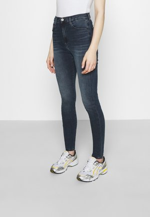 SYLVIA SKNY ABBS - Jeans Skinny Fit - blue-black denim