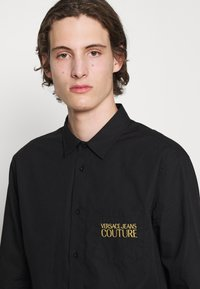 Versace Jeans Couture - Shirt - nero - 6