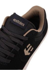 Etnies - MARANA - Sneakers laag - navy/tan - 6