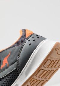 KangaROOS - COURTY  - Sneakers - steel grey/orange - 6