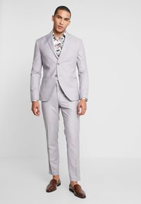 Isaac Dewhirst - FASHION SUIT - Suit - light grey - 1