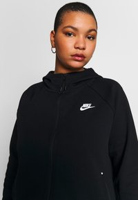 Nike Sportswear - CAPE PLUS - Collegetakki - black/white - 3