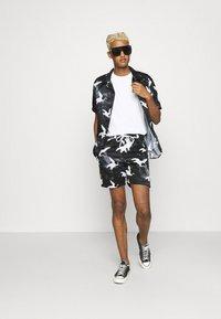 Nominal - DECEND TWIN SET - Shorts - black - 1