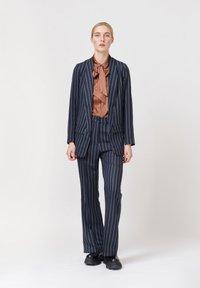 Dea Kudibal - Short coat - stripe - 1