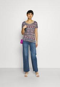 Desigual - T shirt SANTORINI - T-shirt imprimé - blue - 1