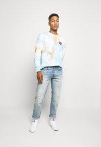 Edwin - JAPANESE SUN - Maglietta a manica lunga - blue/cantaloupe - 1