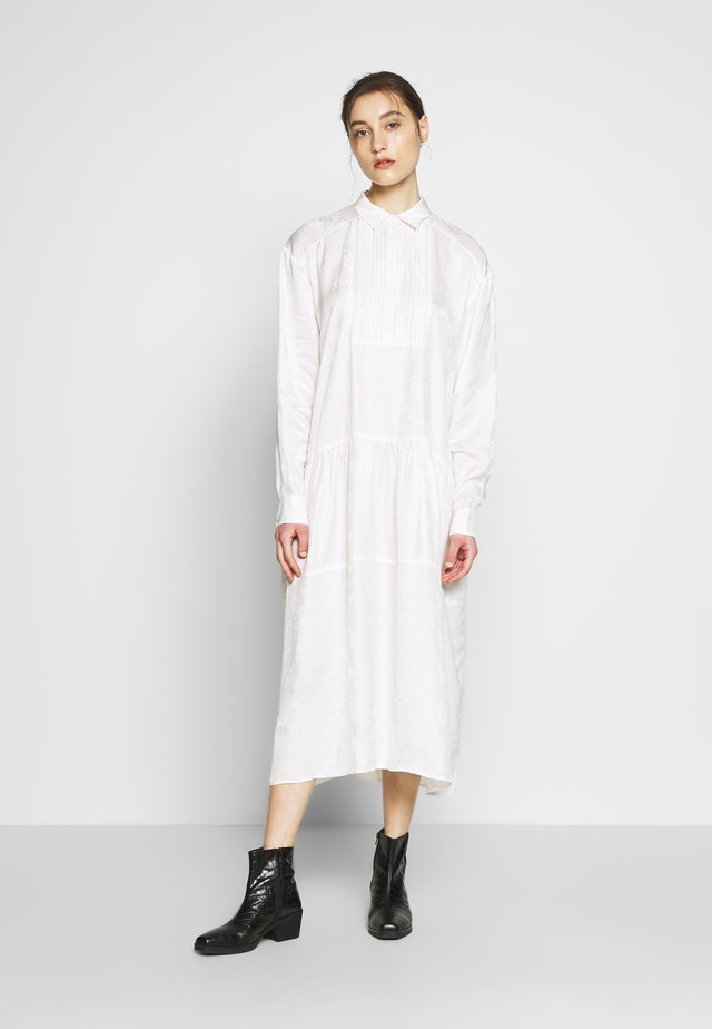 PETRINE DRESS - Skjortekjole - white