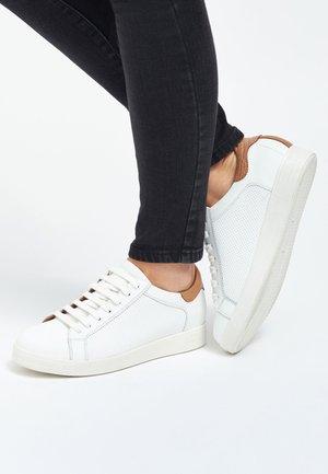 SIGNATURE - Sneakers - white