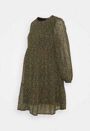 PCMMISTY DRESS - Denní šaty - black/yellow