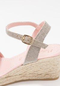 Pretty Ballerinas - Platform sandals - galassia plata - 2