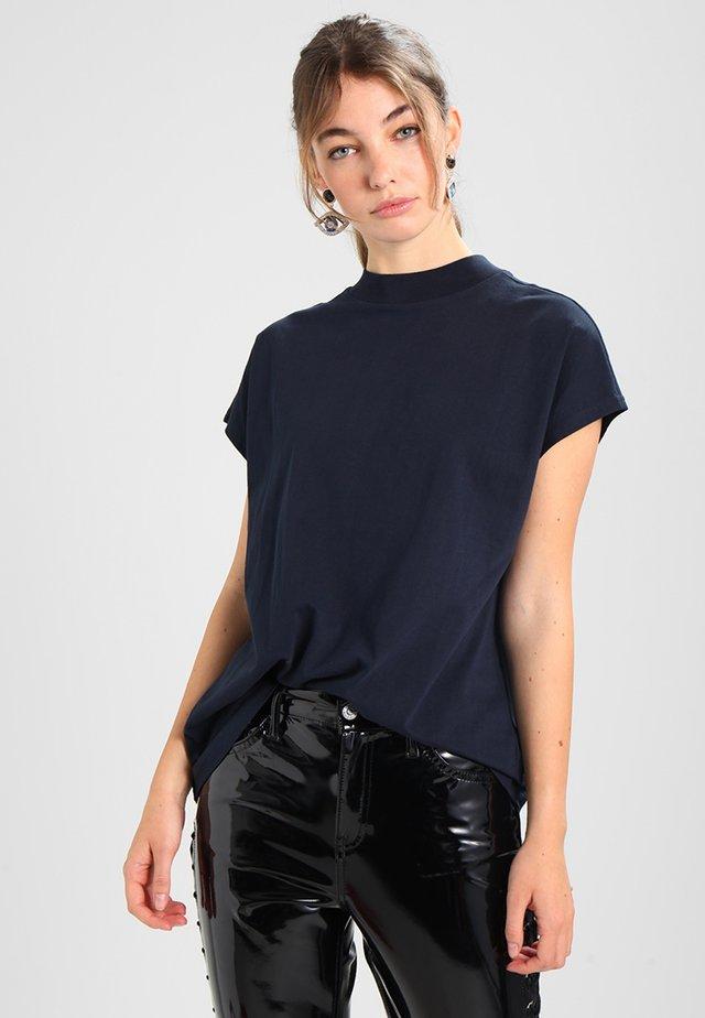 PRIME - Basic T-shirt - navy