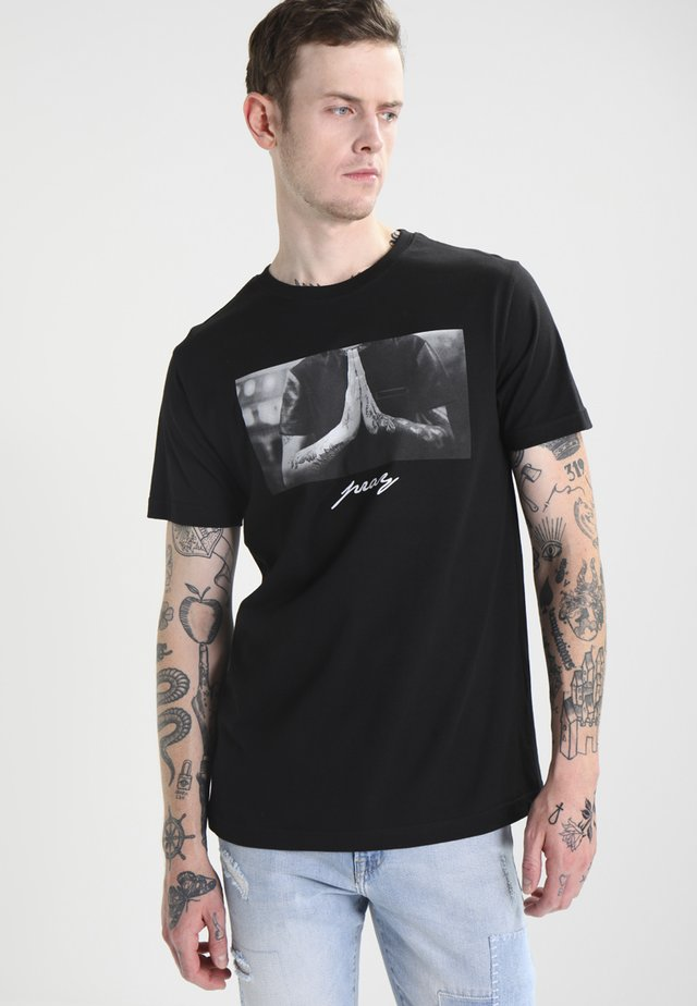 PRAY - Print T-shirt - black