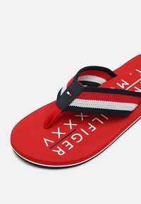 Tommy Hilfiger - T-bar sandals - primary red - 4
