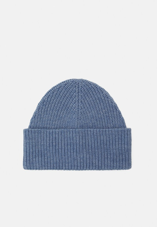 EVE HAT - Muts - light dusty blue