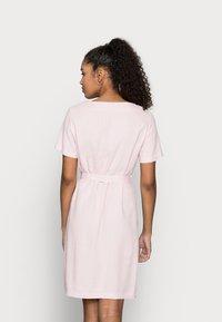 Vero Moda Petite - VMASTIMILO SHIRT DRESS - Day dress - roseate spoonbill - 2