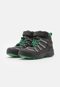 Keen - HIKEPORT 2 SPORT MID WP UNISEX - Hiking shoes - black/irish green - 1