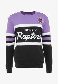 Mitchell & Ness - NBA TORONTO RAPTORS HEAD COACH CREW - Sweatshirt - purple/black - 3