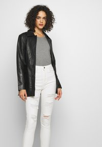 Missguided - SINNER EXTREME - Jeans Skinny Fit - white - 3