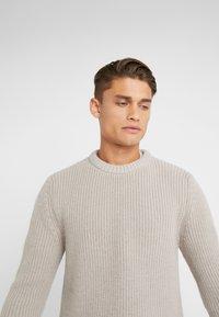 DRYKORN - HENDRY - Pullover - beige - 4