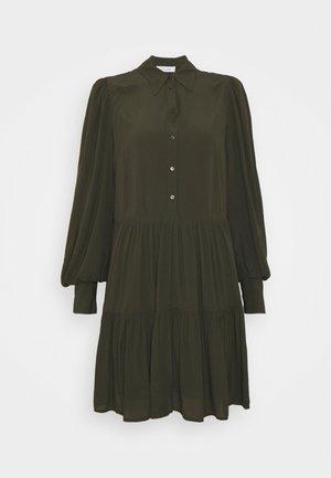 MARLA - Shirt dress - carmin