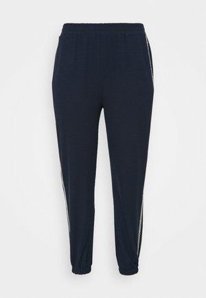 LOGO TAPE - Pantalon de survêtement - midnight blue