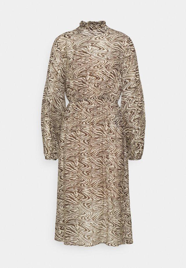 SLFMINGI MIDI DRESS PETITE - Day dress - sandshell