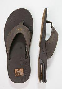 Reef - Sandály s odděleným palcem - brown - 1