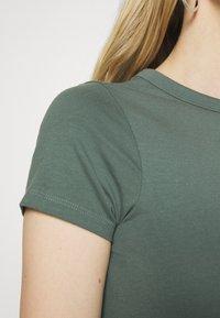Anna Field - 2 PACK - T-shirts - light green/mottled grey - 5