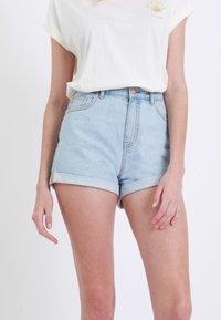 Pimkie - MOM - Denim shorts - hellblau - 2