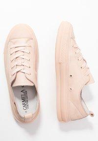 Carmela - Sneakers laag - nude - 4