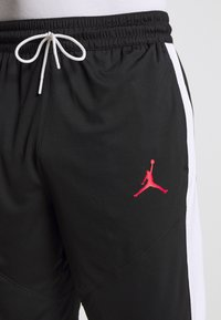 Jordan - JUMPMAN SHORT - Pantaloncini sportivi - black/black/white/gym red - 4