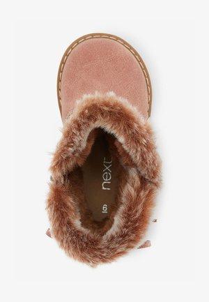 Śniegowce - pink