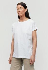 ARMEDANGELS - IDAA  - Basic T-shirt - white - 0