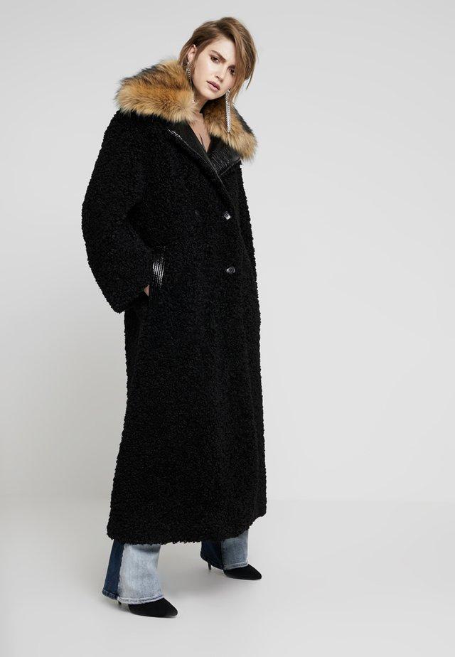 CAPPOTTO - Zimní kabát - black