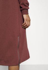 Noisy May - NMHELENE DRESS - Day dress - hot chocolate - 5