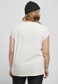 Urban Classics - Basic T-shirt - lightgrey - 2