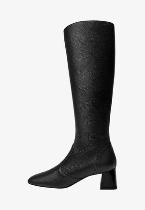 AIRE - Boots - černá