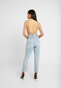 Missguided - LONG SLEEVE LOW BACK 2 PACK - Top s dlouhým rukávem - black/ camel - 3
