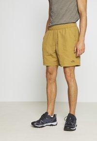 The North Face - MEN'S CLASS PULL ON TRUNK - Pantalones montañeros cortos - british khaki - 0