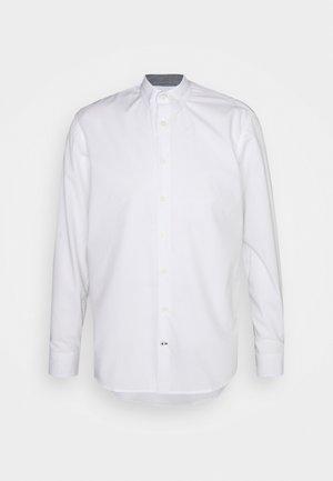 JOHAN EASY CARE  - Koszula biznesowa - white