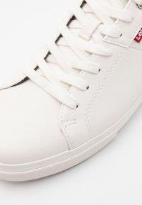 Levi's® - WOODS - Zapatillas - brilliant white - 5