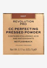 Revolution PRO - CC PERFECTING PRESSED POWDER - Poeder - deep - 3